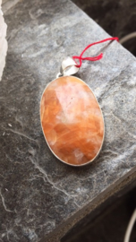 Calciet Oranje zilveren hanger