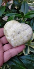 Calciet (Geelgroene) uit Madagaskar hart