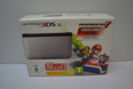 Nintendo 3DS XL- Mario Kart 7 pre installed-32 GB Memory card incl