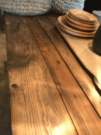 Stoere tafel met mooi houten blad/ verkocht