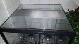 Terrarium 40x40x40 met dubbele beluchting en 1 sproeigat