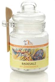 Badzout met Zirben dennennaalden