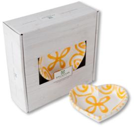 Schaaltje hart - Geflammt geel cadeauverpakking