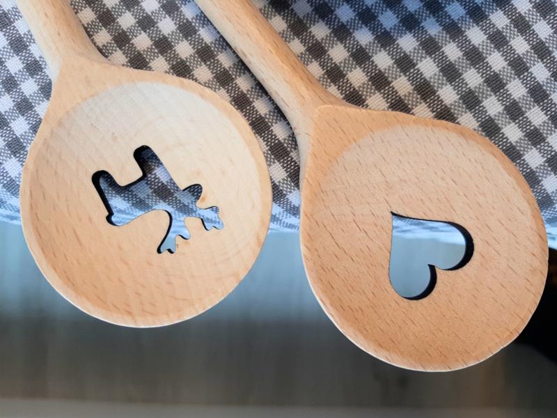 Houten kooklepel met HERTJE - 30 cm