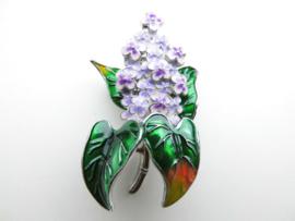 Broche met paarse bloemetjes