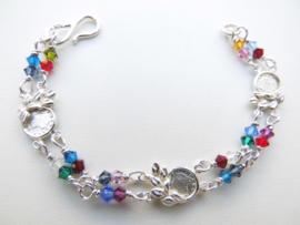 Zilveren muntjes-regenboog kralen baby bracelet.