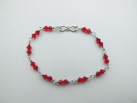 Zilveren rode kalen bracelet.