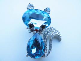 Broche poes met blauwe stenen