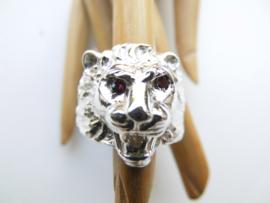 Zilveren leeuwenkop ring.
