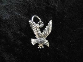 Zilveren adelaartje hanger.