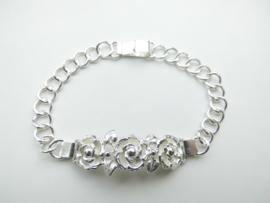 Zilveren rozen bracelet.