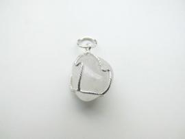 Zilveren bergkristal hanger.