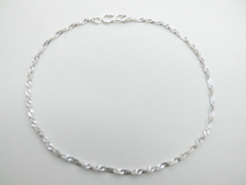 Zilveren singapore enkelband.