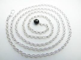 Zilveren lontai lende ketting met zwarte kraal aan uiteinde.