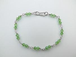 Zilveren licht groene bracelet.