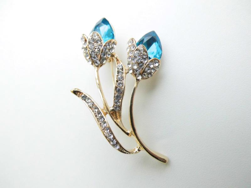 Blauwe tulpen broche.