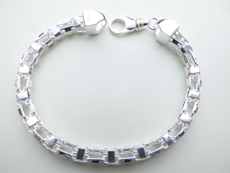 Zilveren MAGNUM bracelet.