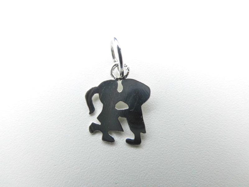 Zilveren jongen kust meisje silhouet hanger. (klein)