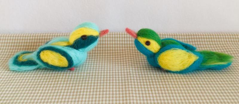 Twee vogeltjes - variant blauw/geel - compleet met werkbeschrijving en alle materialen (1 ster)