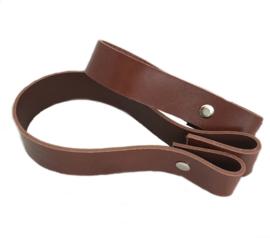 Leren hengsel Donker bruin  30 bij 2,5 xm met schroef