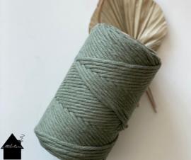 Macrame  koord 3/4 mm 110 mtr  Verde Avacado Gerecyclede katoen