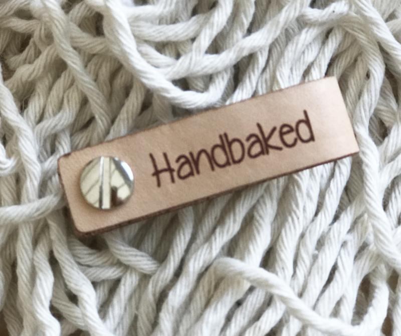 Leren label met schroef  6 bij 1,5 cm Handbaked