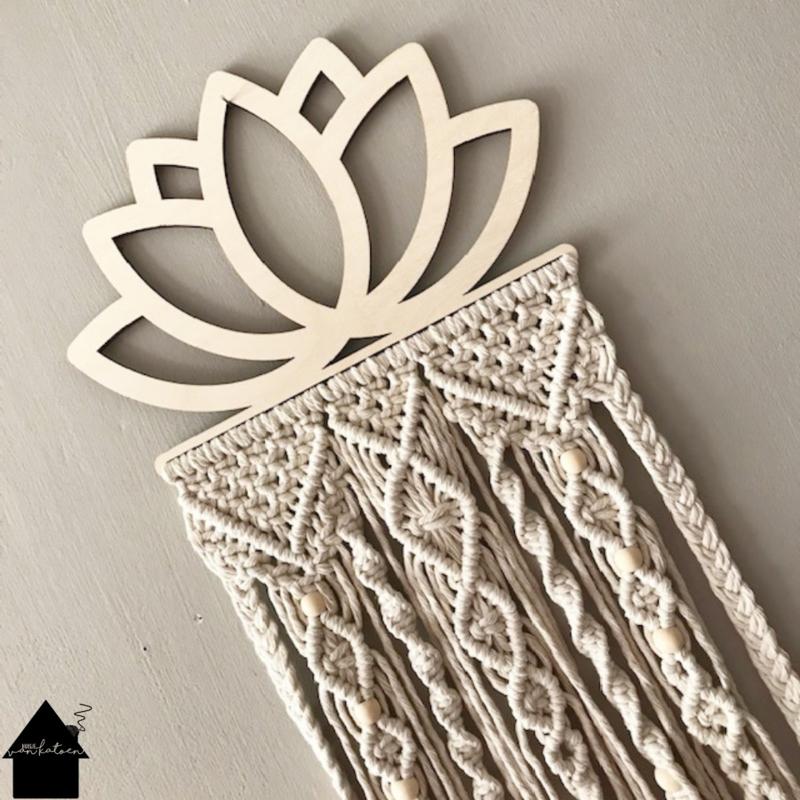 Wandhanger Lotus