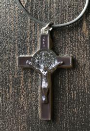 Benedictus kruisje met koord | bruin