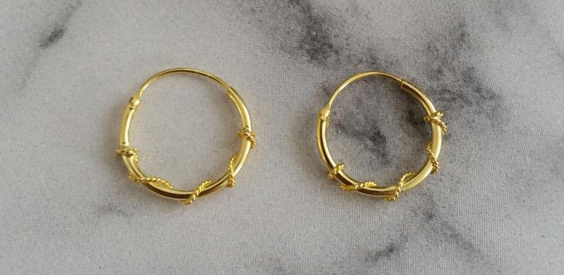 Oorringetjes 925 zilver gold plated 14mm Tjarda