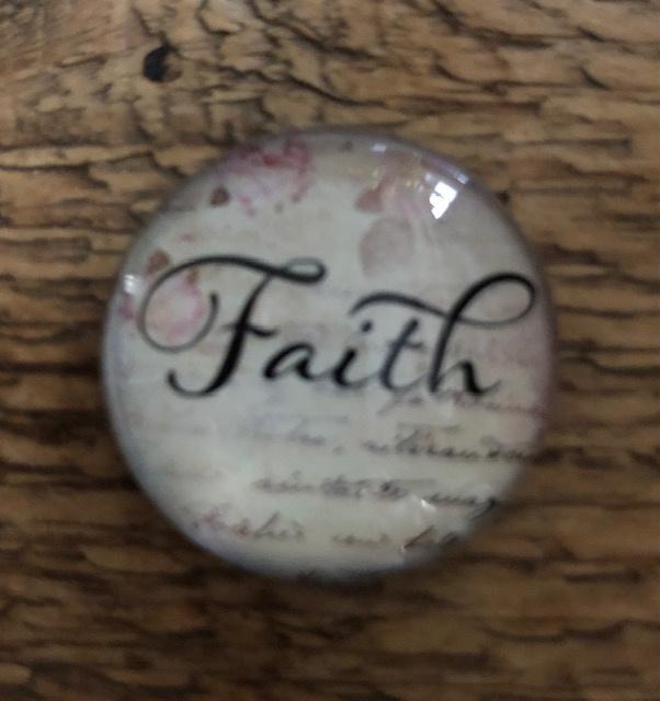 """Magneet """"faith"""""""