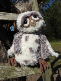 Funny Furry Owl Soft donkerbruin