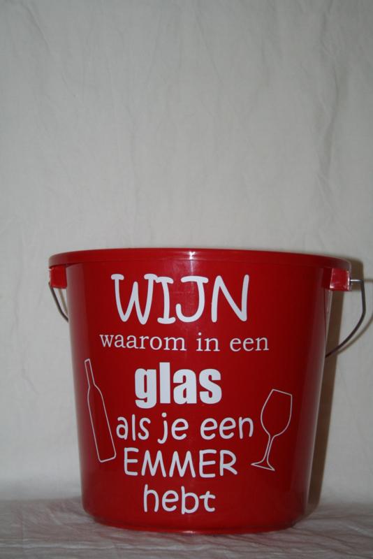 Wij waarom in een glas als je een emmer hebt