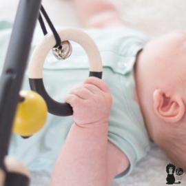 Babytrapeze 'Little monkey' (zwart/oker/hout)