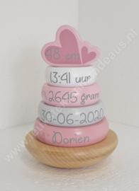 Label Label houten tuimelringpiramide roze geboortegegevens