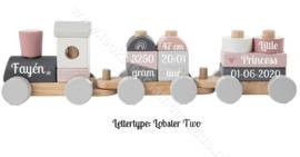 Label Label houten trein roze met geboortegegevens
