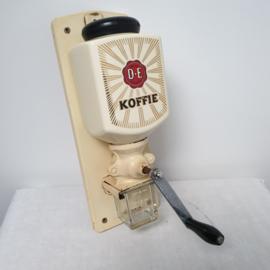 Oudewetse koffiebonen molen van DE