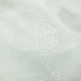 Zeer mooi oud franse laken met monogram