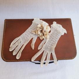 Oude kanten handschoentjes