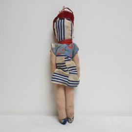 Lief popje met hoofdje van papier mache