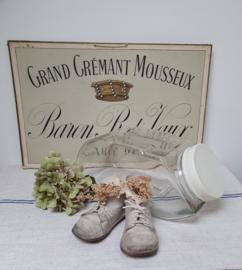 Oude, stapelbare glazen snoeppotten