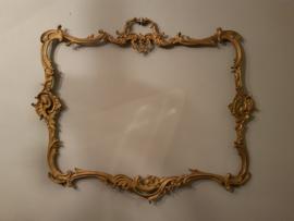 Goudkleurig frame van metaal