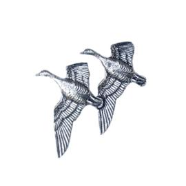 Tinnen speldje/pin Ganzen vliegend