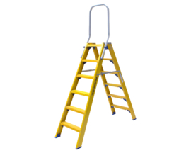 Dubbele Kunststof trap 6 treden (Beugel)