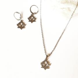 Lotus oorhangers