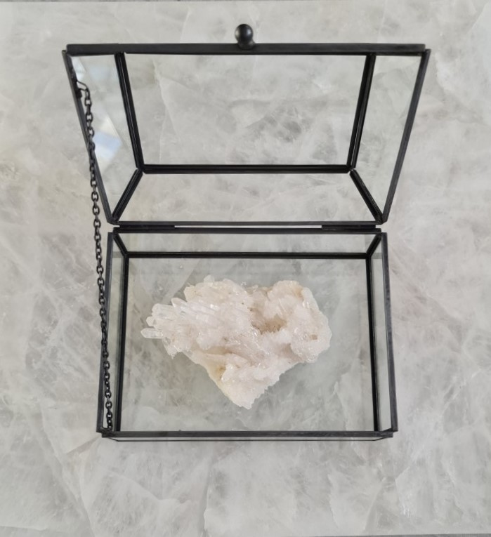 Bergkristal in Display Kistje