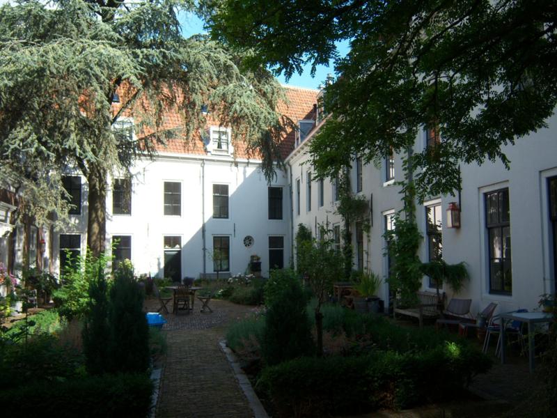 Rondleiding hofjes Gouda met  gids Hans Pleging