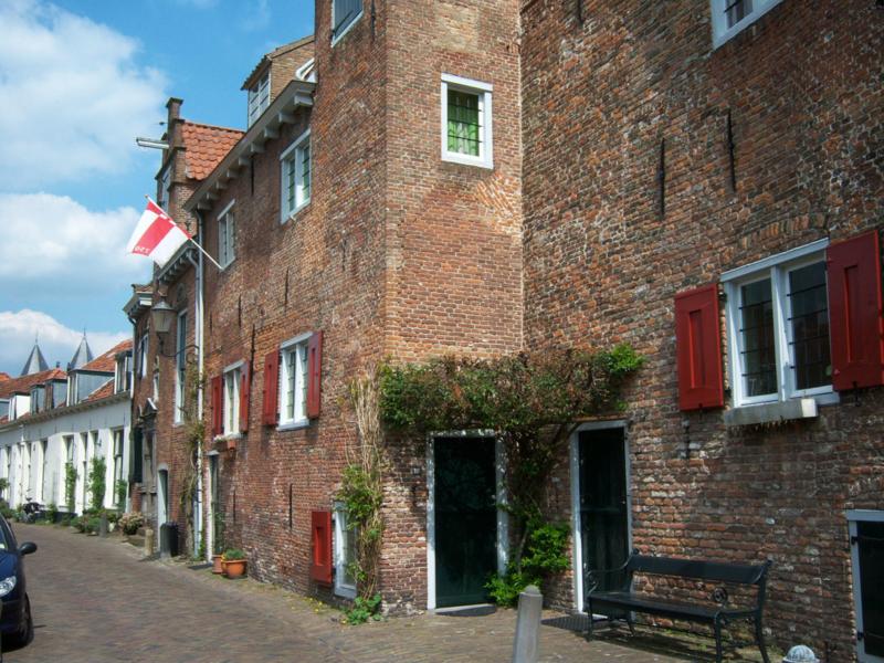 Rondleiding Muurhuizen en poorten Amersfoort met gids Hans Pleging