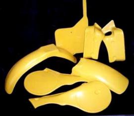 81-83 SUZUKI RM125 Komplete plastik kit.