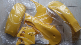 82-83 SUZUKI RM250 Komplete plastik kit.