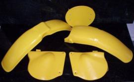 76-77 SUZUKI RM125 Komplete plastik kit.